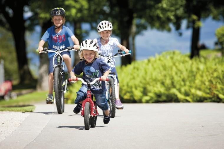 Bicyklujeme sa s detmi